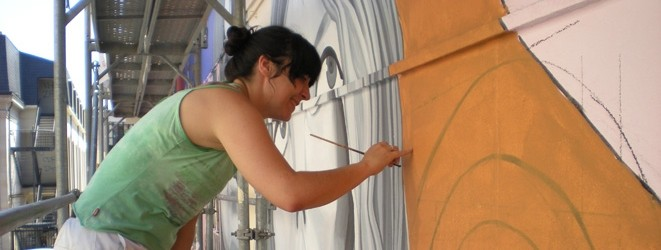 Artistas-del-imvg-patricia-pintando2-carrusel