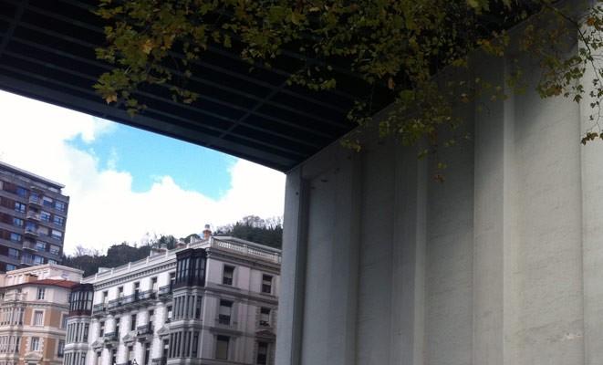 IMVG-streetart-Bilbao-Guggenheim-peace-1