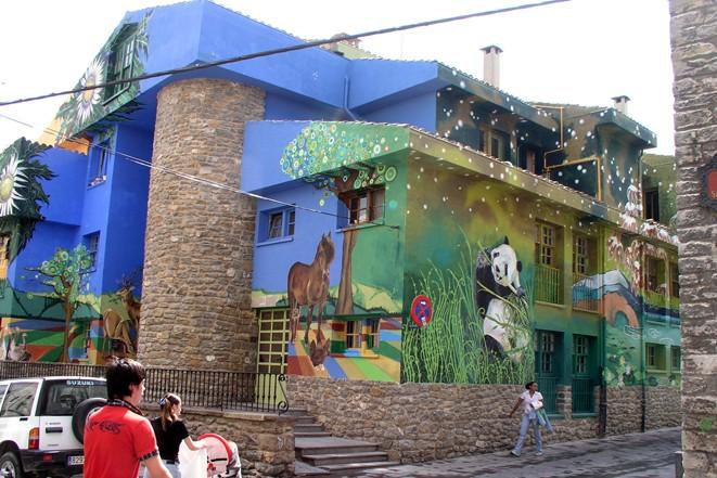 murales-continentes-carrusel-europa-asia-despues